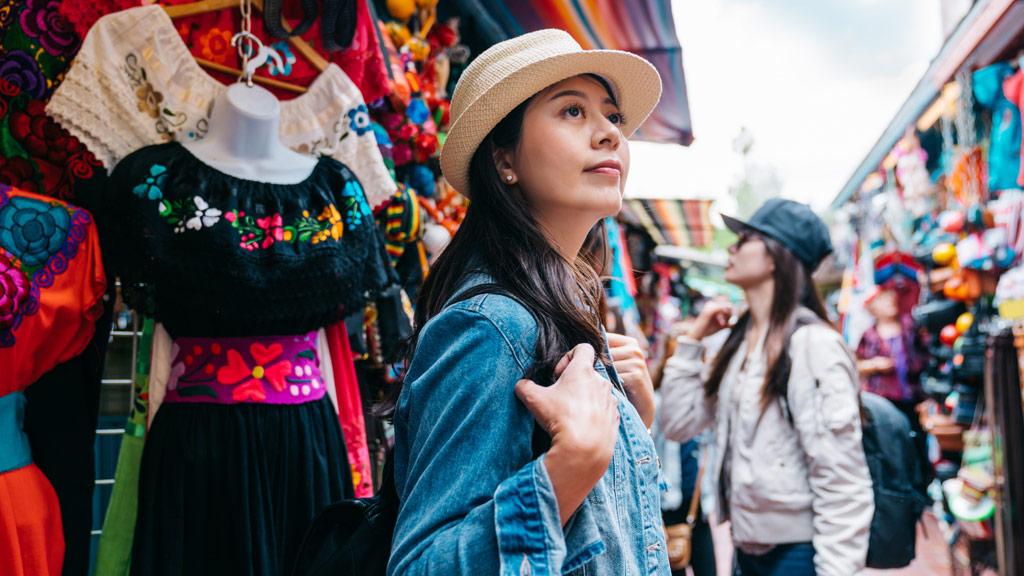 mercado_artesanias_Ixtapa_Hotel_Emporio