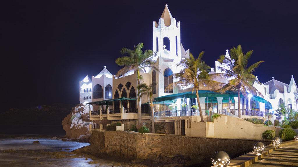 Hotel_Emporio_Mazatlan_iglesia